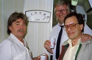 Jussi Nyman, Christer Glenning och S-O Hedmark på TV-inspelning i Japan.