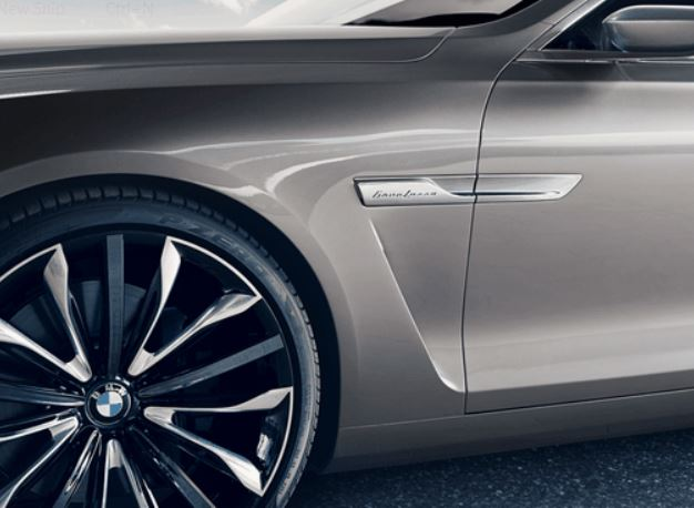Första BMW:n med en PininFarina logga på skärmen
